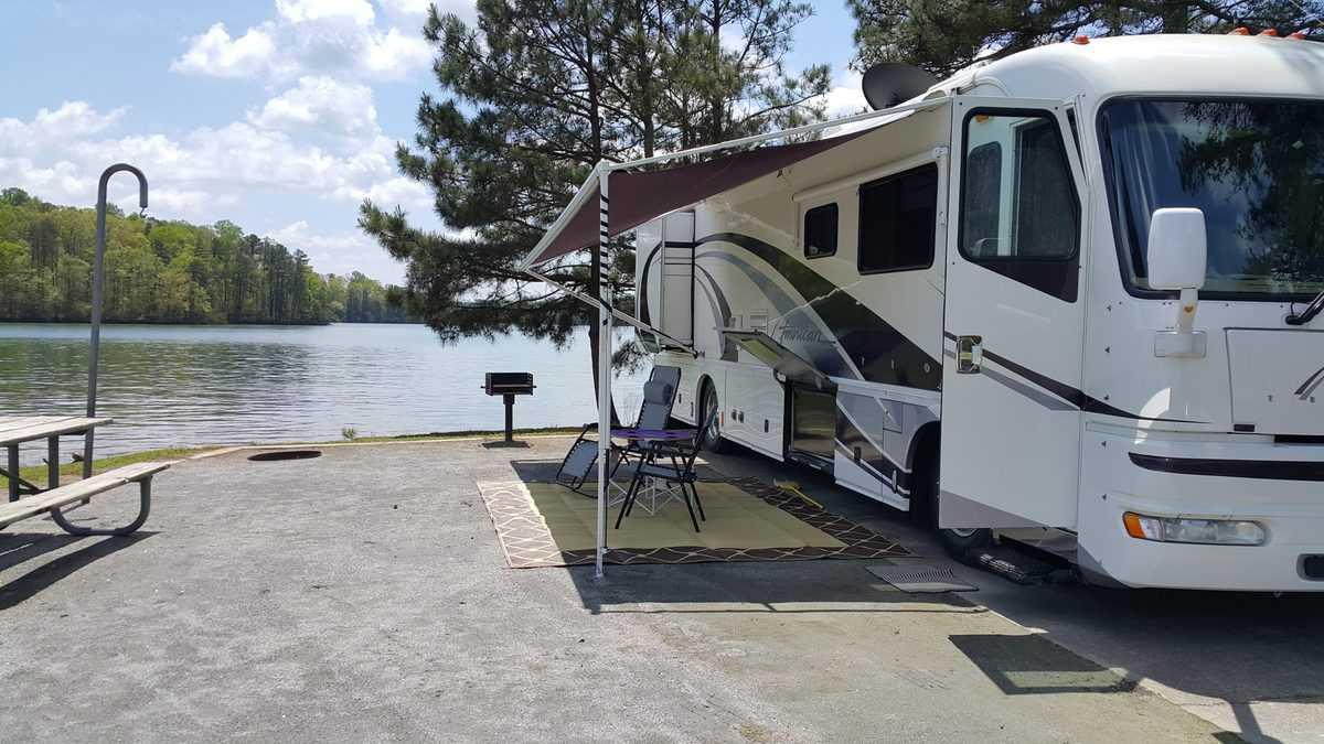 American Tradition Class A Motorhome at lake lanier campground