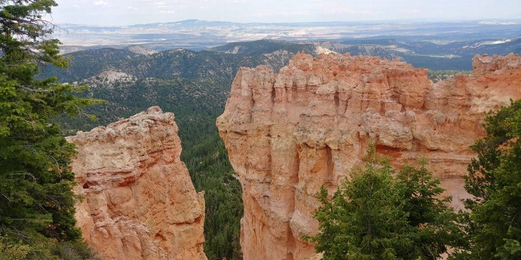 scenic overlook in bryce canyon