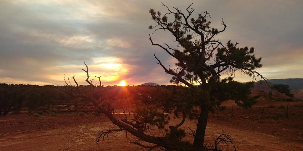 sunset at beas lewis flat public camping area near capitol reef