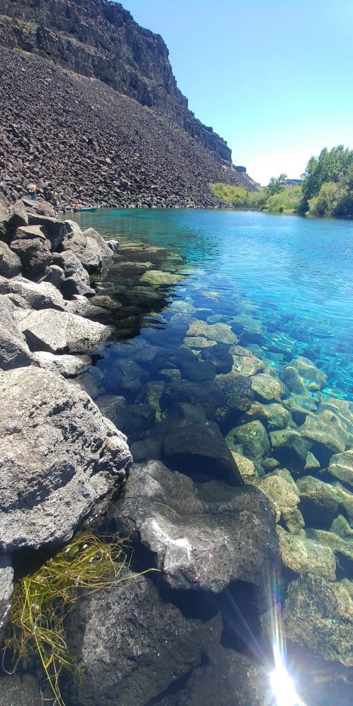 sapphire water at blue heart springs in idaho