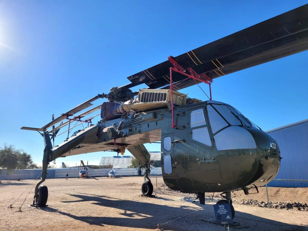 cargo helicopter at pima air and space museum