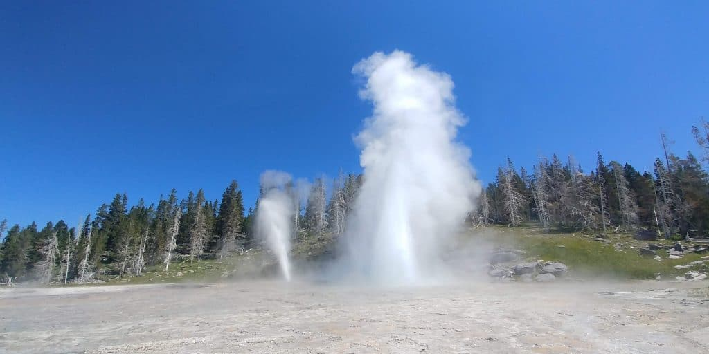 grand geyser at yellowstone