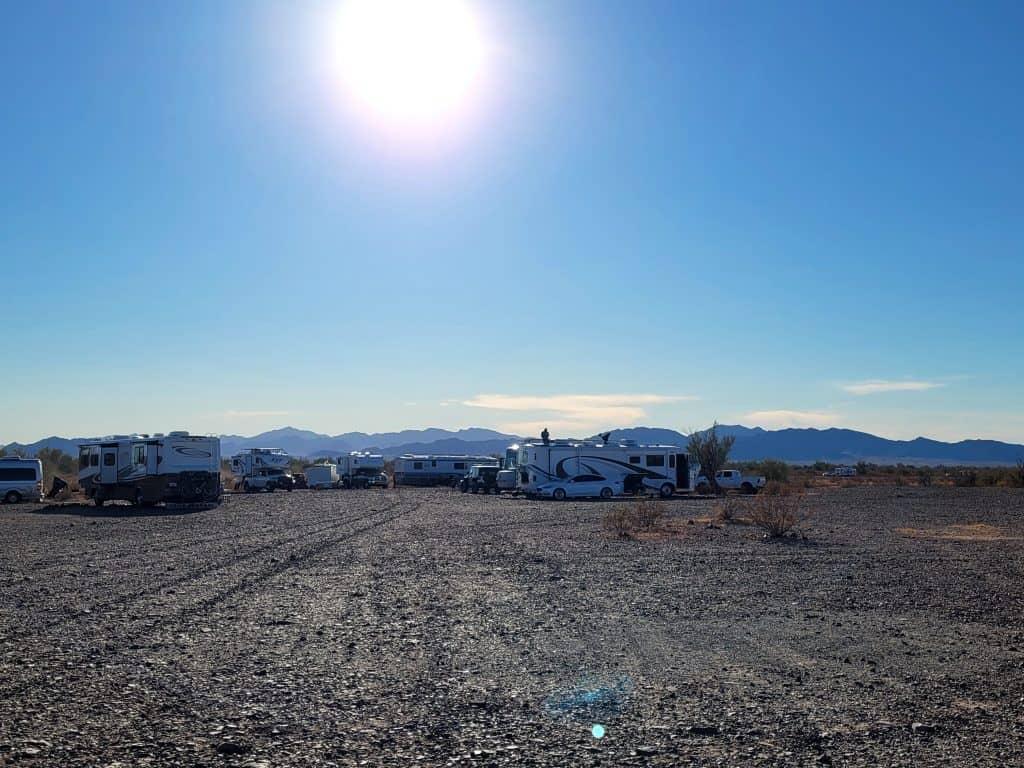 camping with friends in quartzsite