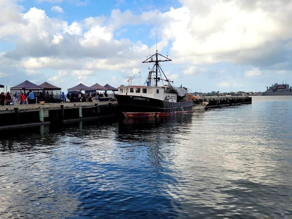 saturday morning tuna dockside market in san diego