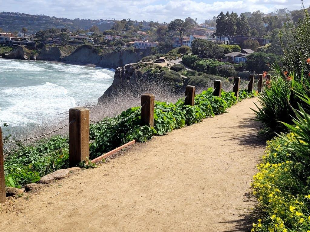 coastal walk trail in la jolla