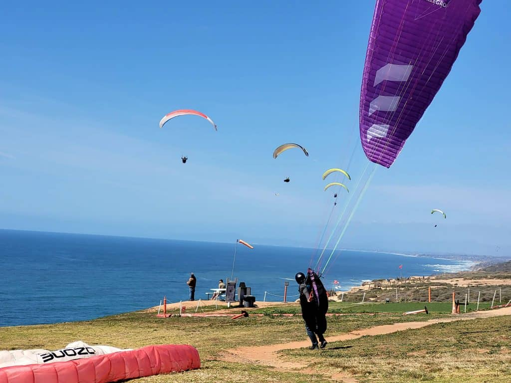 gliders preparing for take off at torrey pines gliderport
