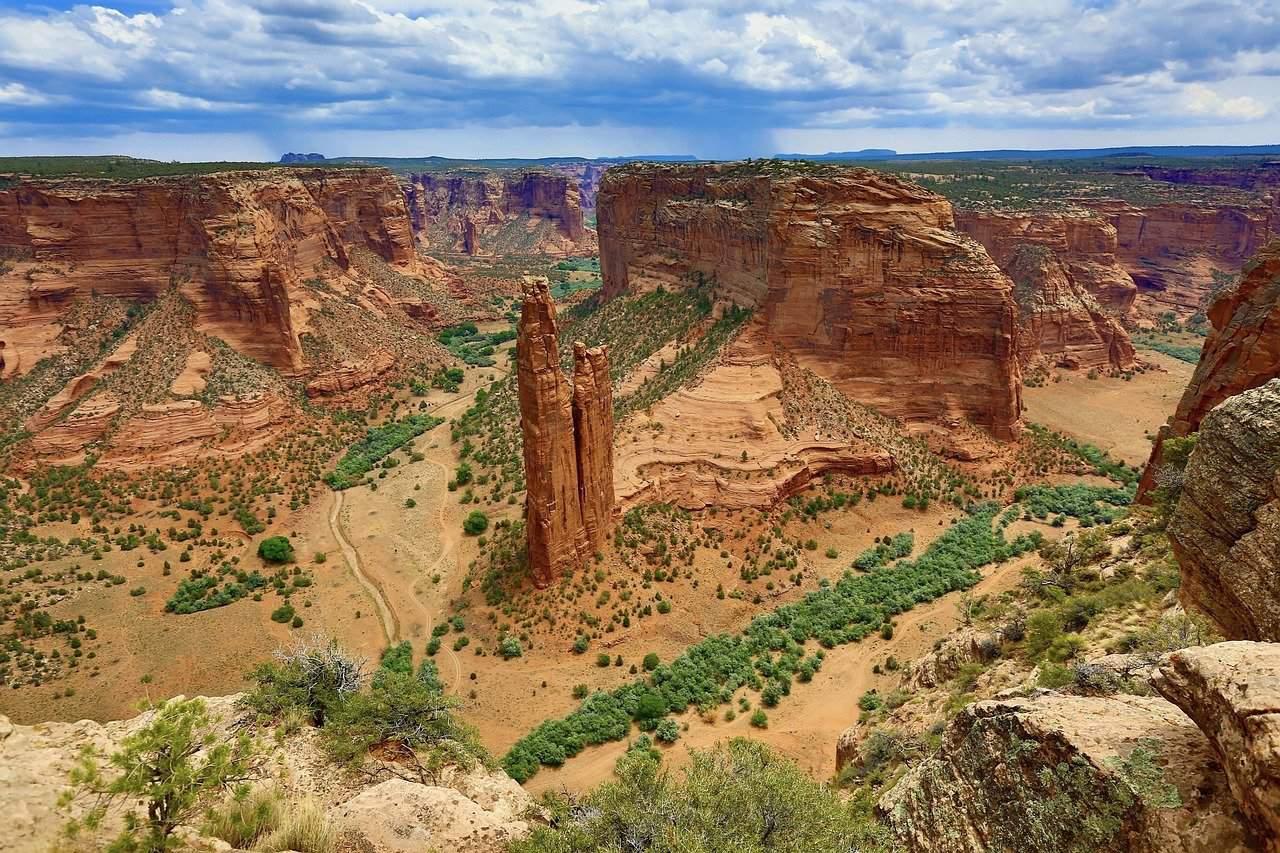 spider rock is a good detour on an arizona roadtrip
